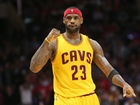 LeBron James calls Trump a 'bum'