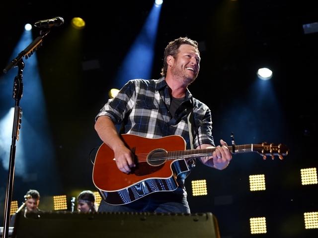 Blake Shelton surprises KC fans with concert