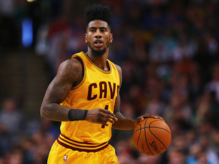 Cavs player forced to deliver fiancee's baby