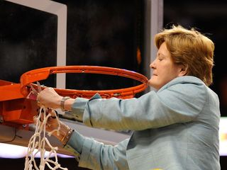 Pat Summitt's health reportedly deteriorating