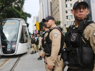 Rio police are giving up ahead of Olympics