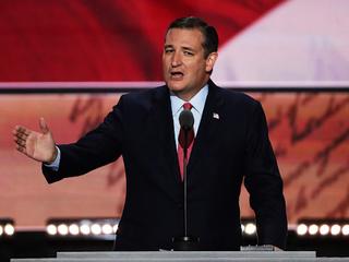 Cruz offers no endorsement of Trump