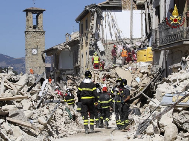 Italy earthquake  Stro...