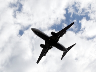 Gov't proposal envisions phone calls on flights