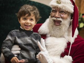 Mall faces backlash for hiring black Santa