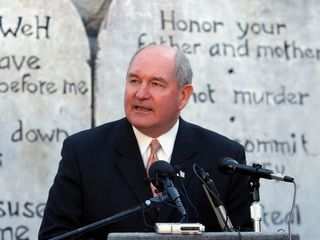 Trump picks Sonny Perdue for agriculture chief
