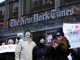 Trump tweets 'wildly' boost NYT subscriptions