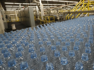 Still no 'safe' replacement for BPA