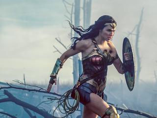 Women-only 'Wonder Woman' screening causes stir