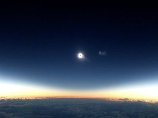 Alaska Airlines flight to 'chase' solar eclipse