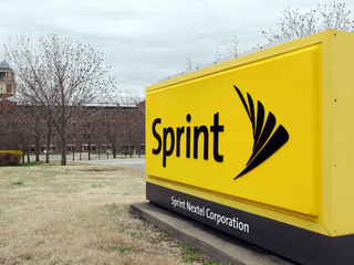 Sprint names Combes president & financial chief