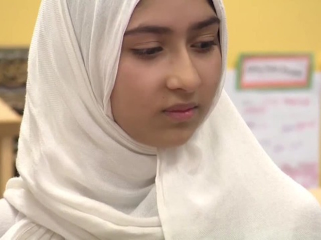 Man attacks Muslim schoolgirl's headscarf with scissors in Canada