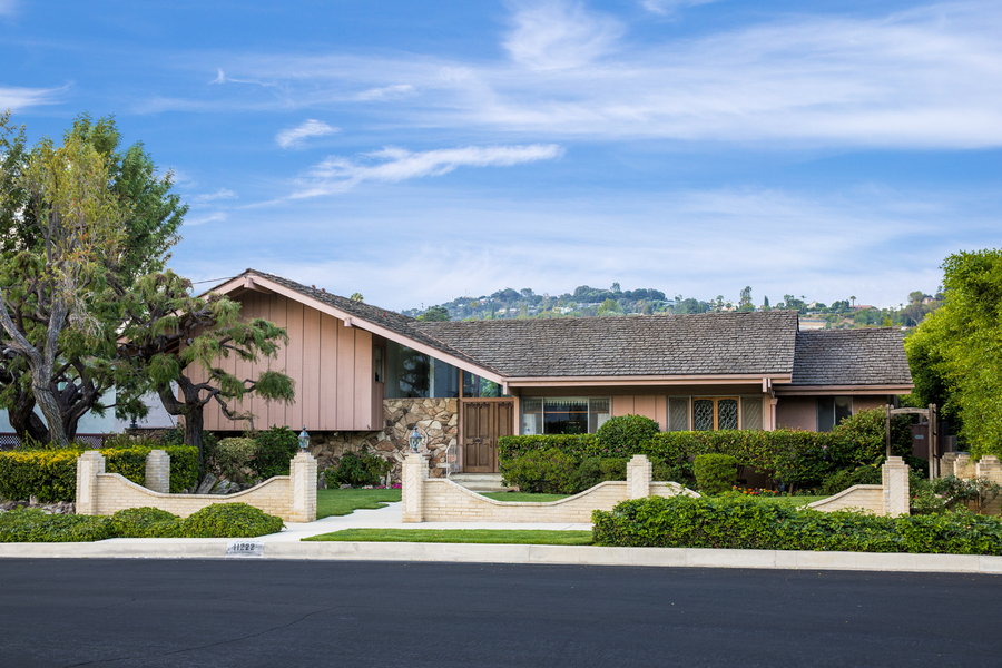 Brady Bunch House Douglas Elliman