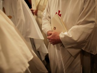 MO diocese report names 33 priests, brothers